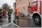 Kellerbrand in Mehrparteienhaus - Bewohner mussten evakuiert werden